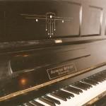 Pianino koncertowe widok z przodu